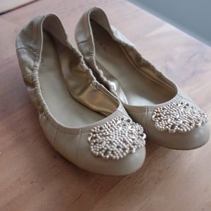 Tahari Gold Leather Flats - Valerie 7.5
